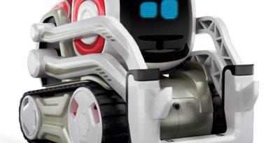 """""""Anki Roboter Cozmo"""" im Test – Ein Roboter mit seinen ganz eigenen Allüren"""